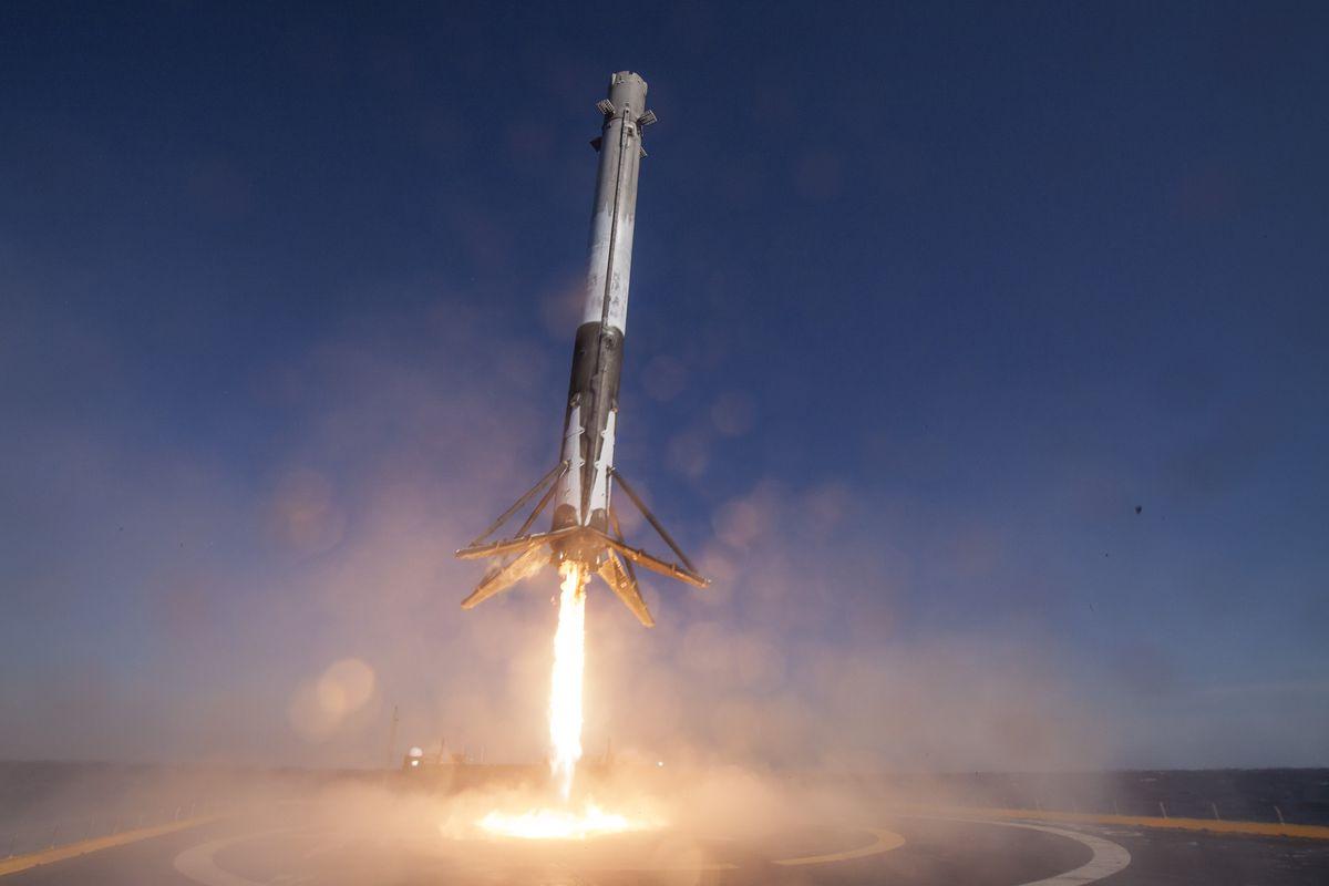 SpaceX в 10-й раз осуществил успешный запуск Falcon 9 1