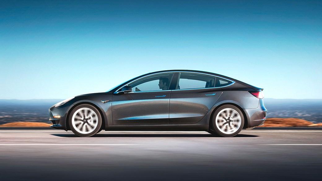 Журнал Consumer Reports не рекомендует Tesla Model 3 1