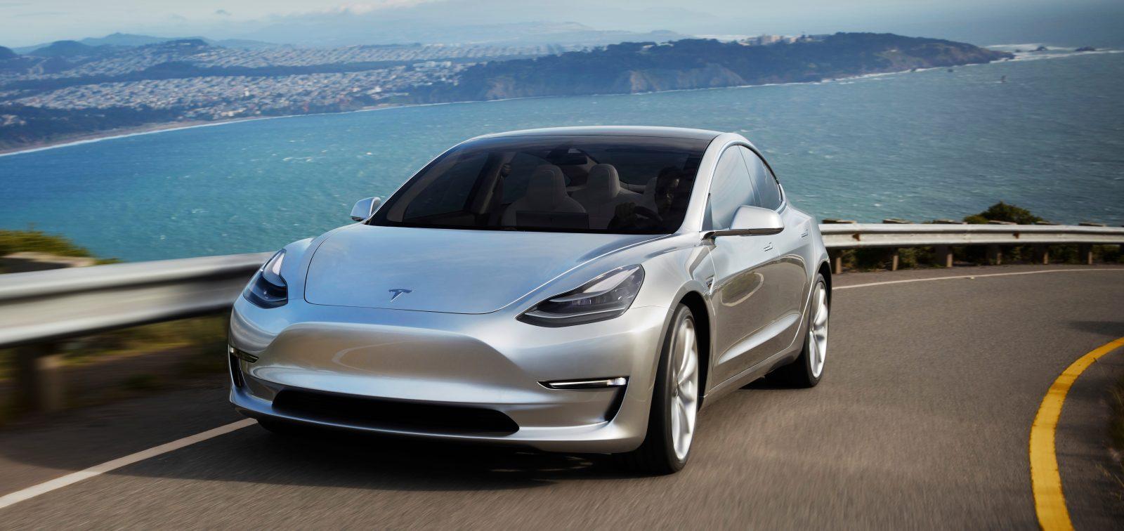 Стало известно о двойном моторе Model 3, версия Performance стоит $78 тысяч
