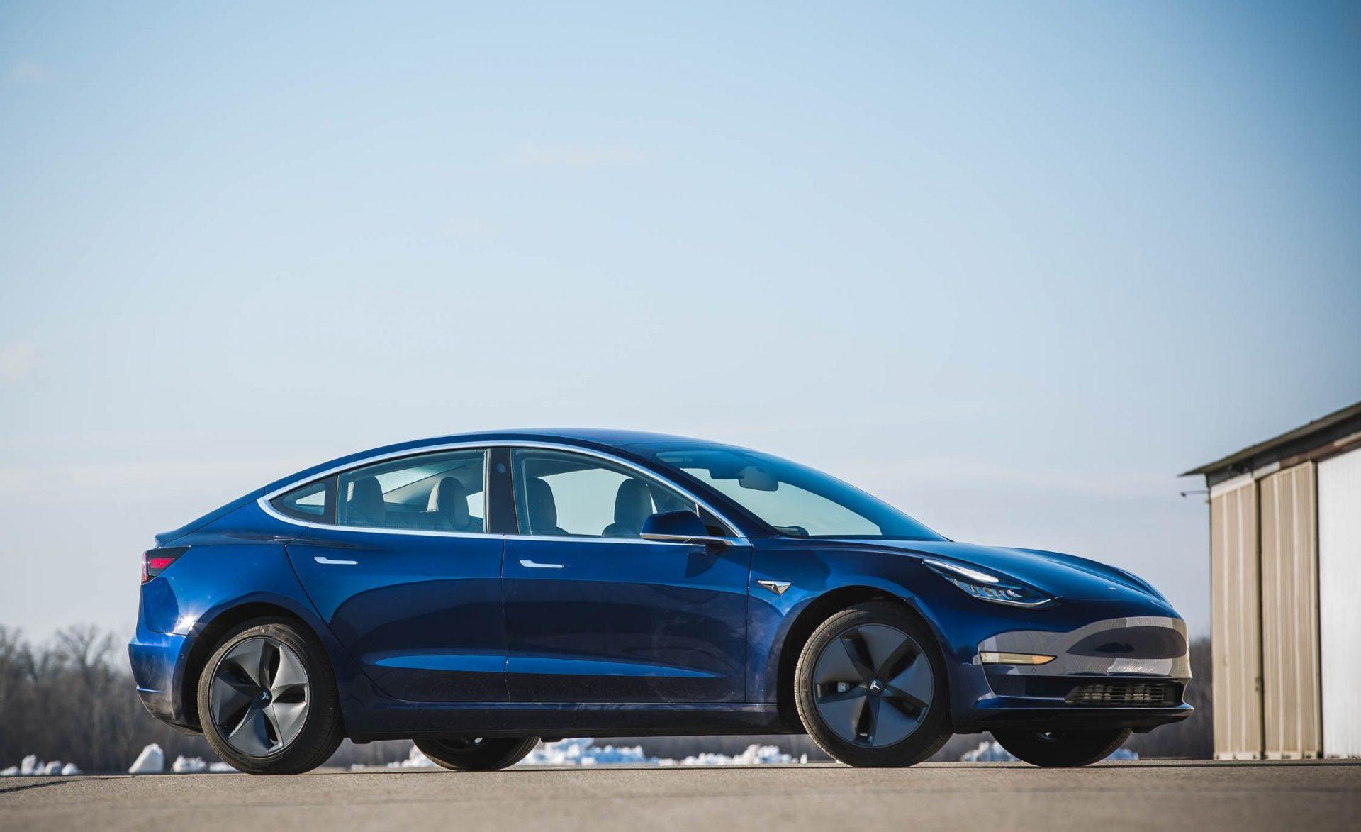 Tesla Model 3 получает отличную оценку за предотвращение фронтовых аварий