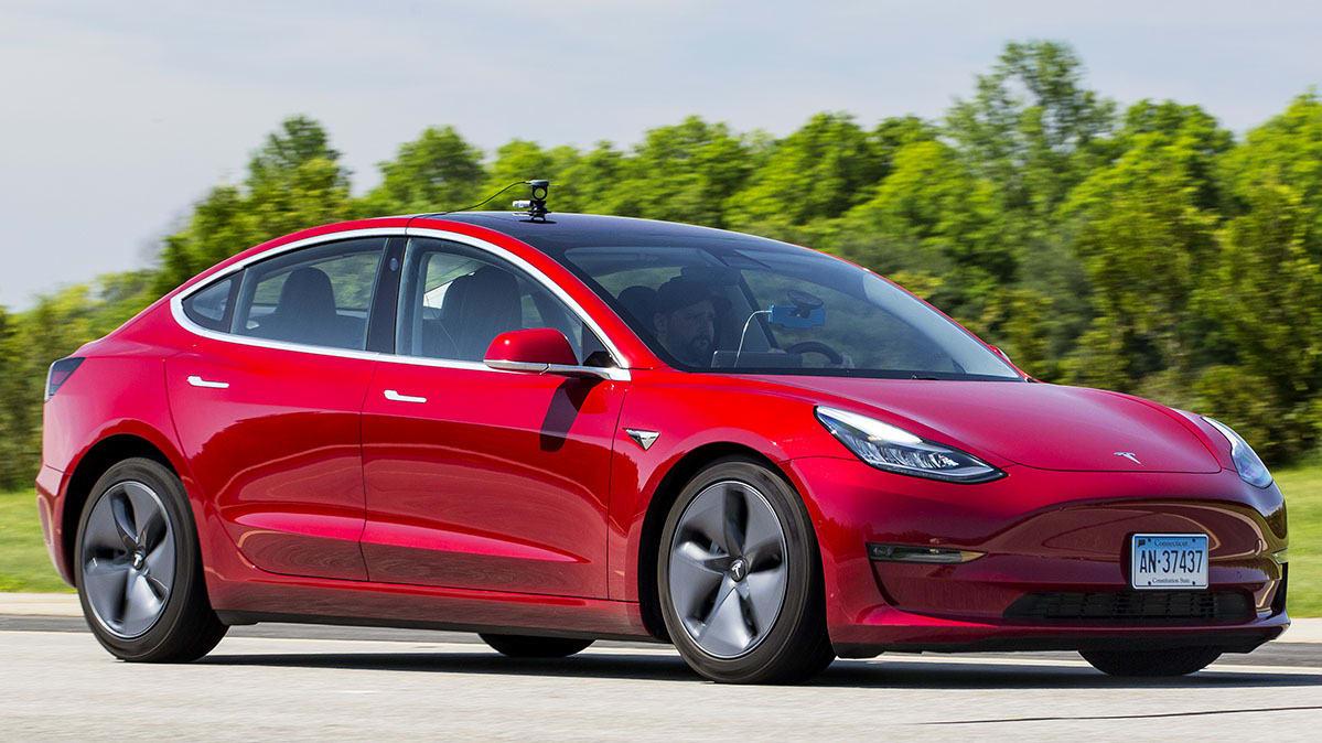 Нет необходимости в рекламе: Tesla Model 3 является номером один сама по себе 1