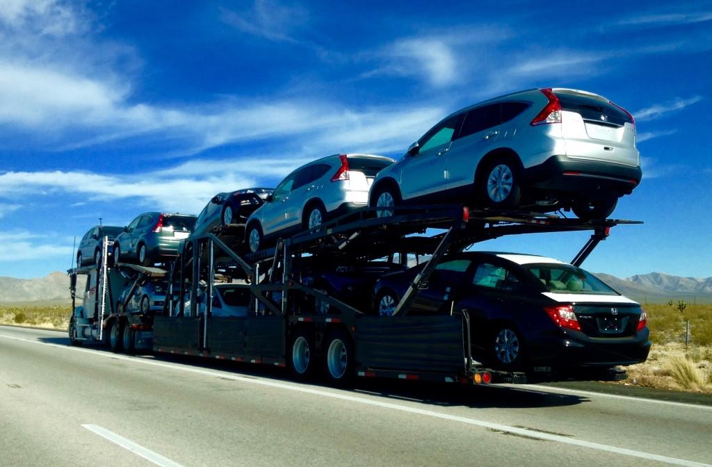 Тесла начинает выпускать свои перевозчики новых автомобилей в связи с чрезвычайной нехваткой поставок Model 3