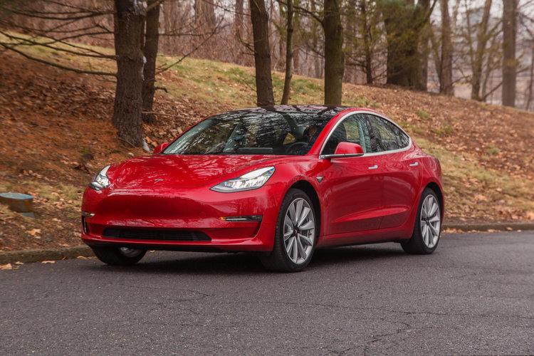Model 3 скоро будет в продаже! Продажи начнутся в ближайшее время 1