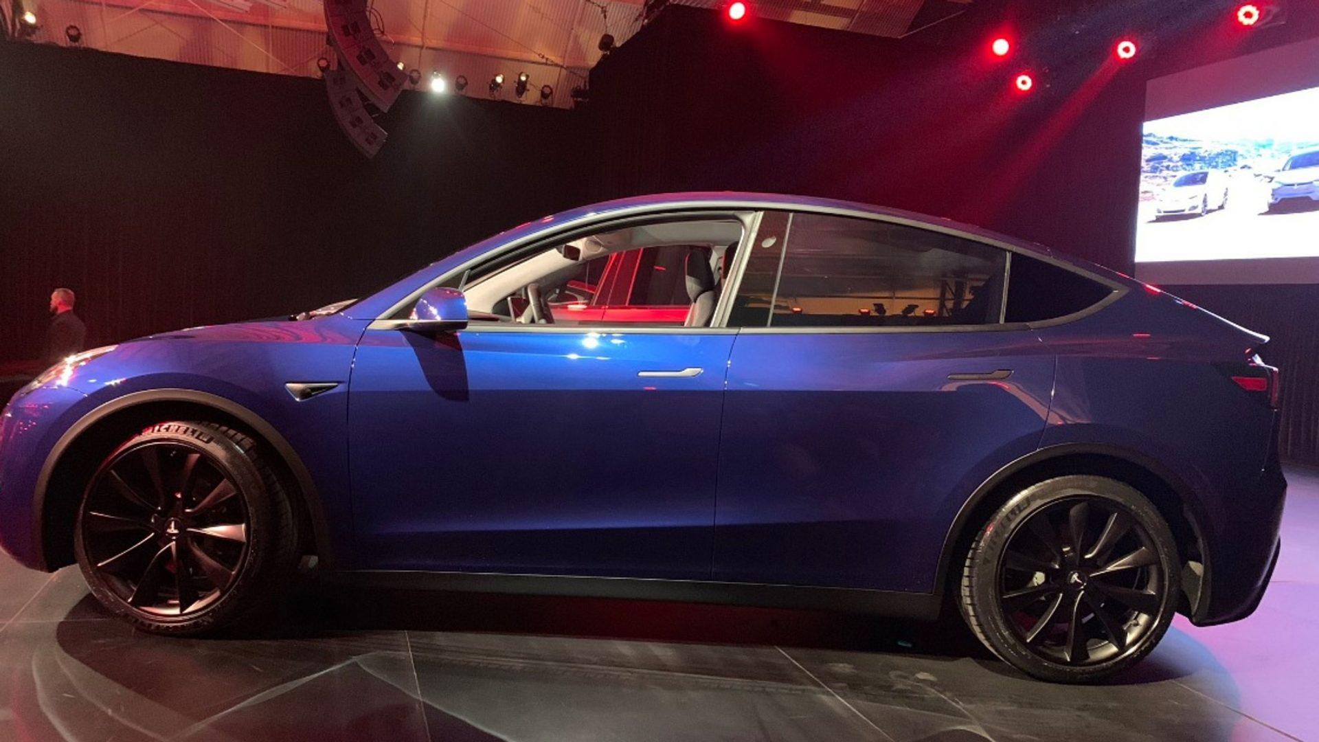Веб-сайт Tesla с новым тизер-изображением Model Y