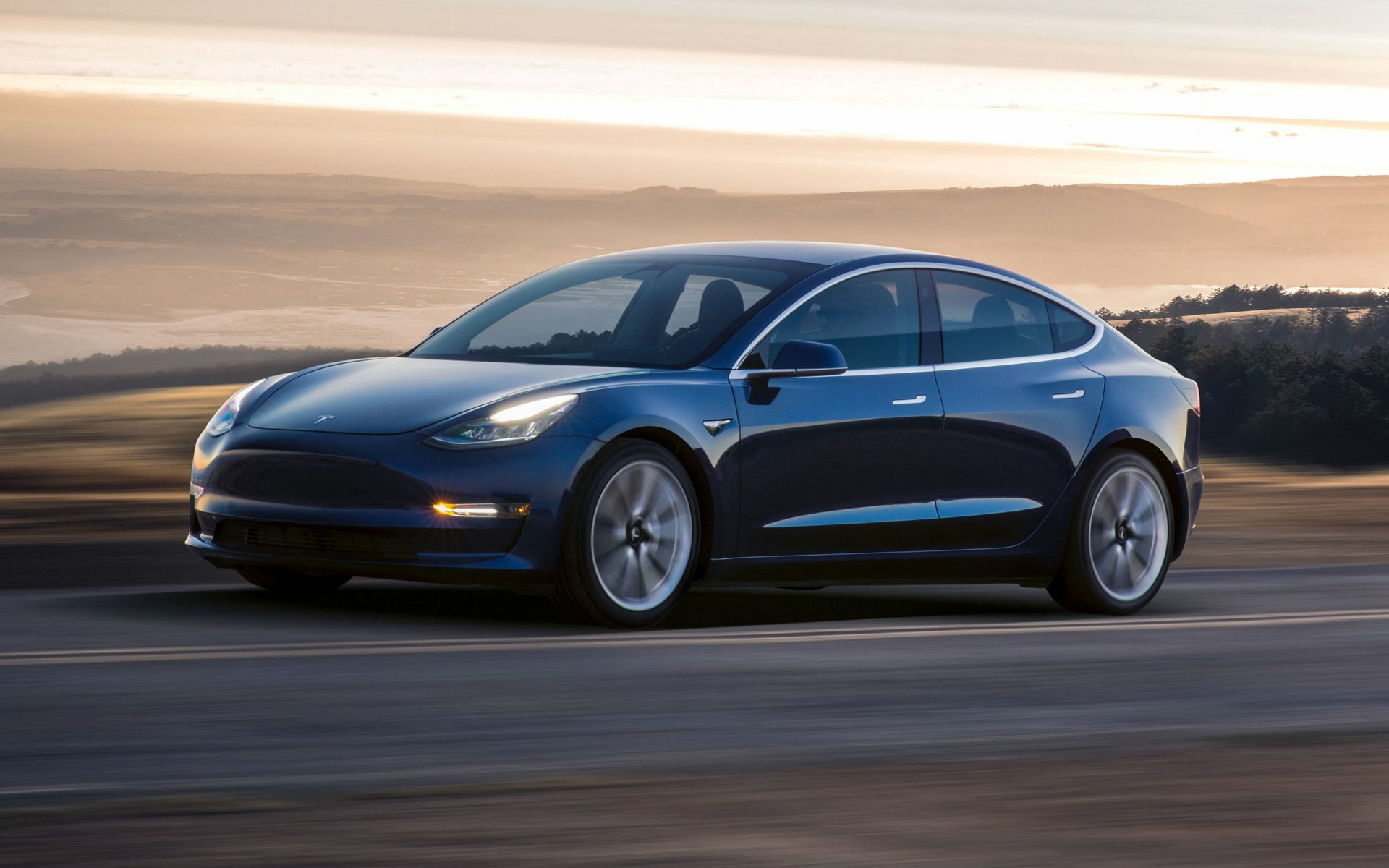 Model 3 доступна уже за $35,000