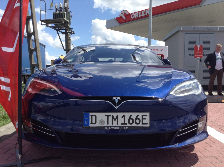 Продажи Tesla почти равны продажам Porsche в Германии в марте 2019 года 1